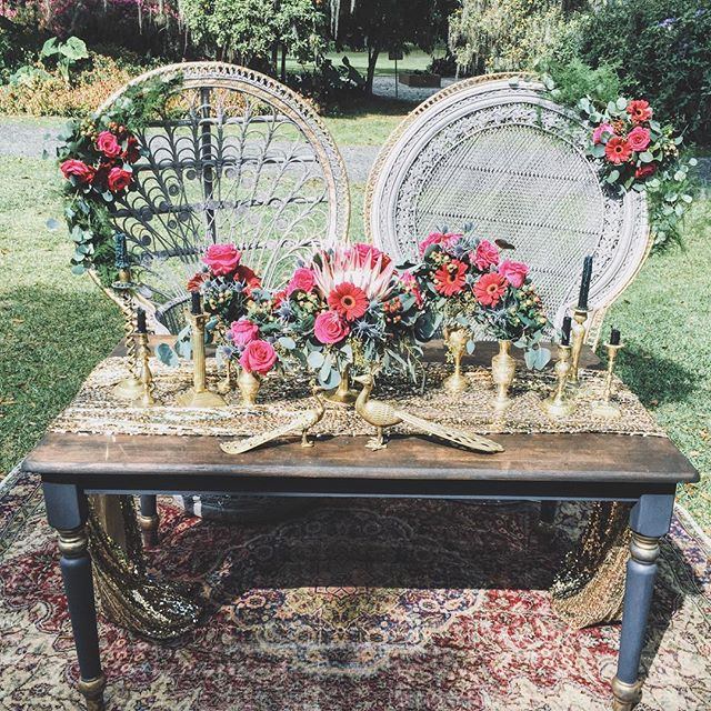 Details from the most gorgeous wedding yesterday @tay_jenk @seanthomas_ #thelostsocietydesigns #vintagerentals #weddingrentals
