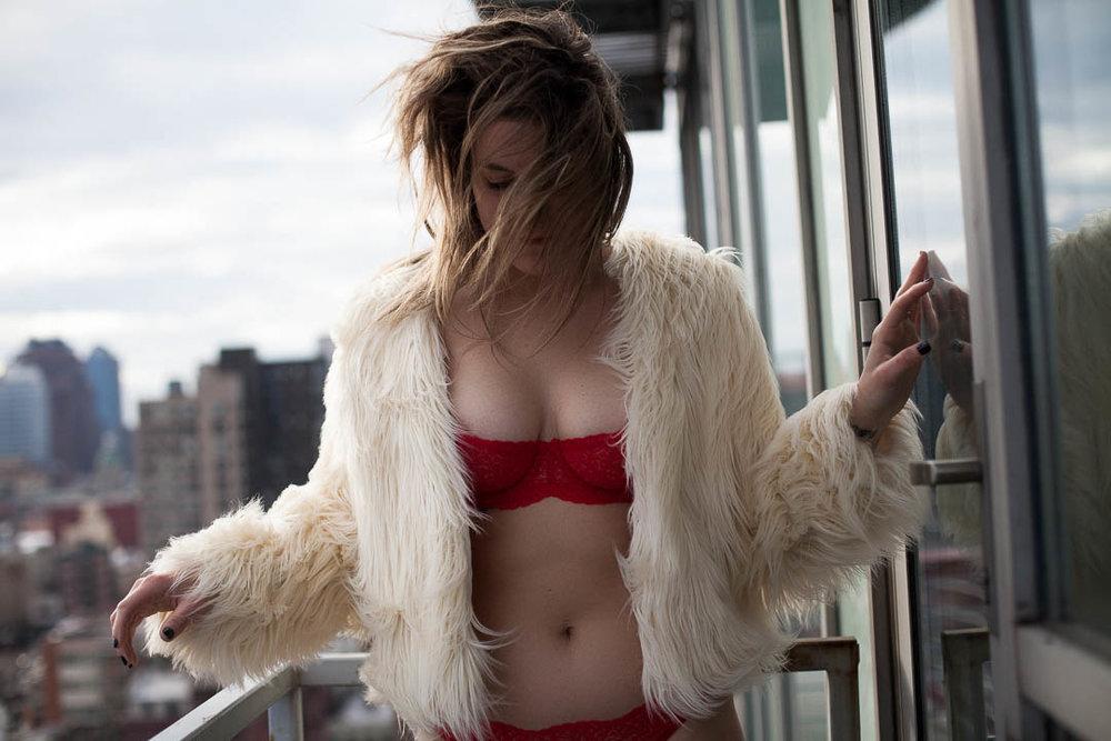 Brooklyn_boudoir_fur_coat.jpg