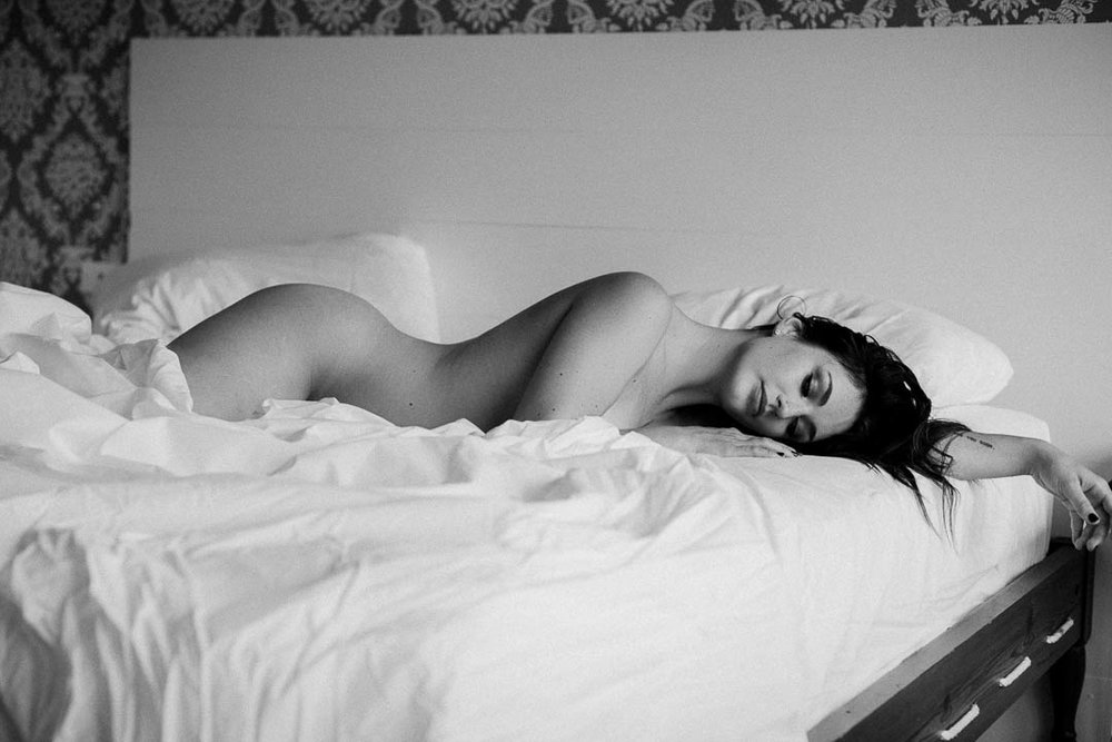 in-the-sheets-black-and-white-photo-brooklyn.jpg