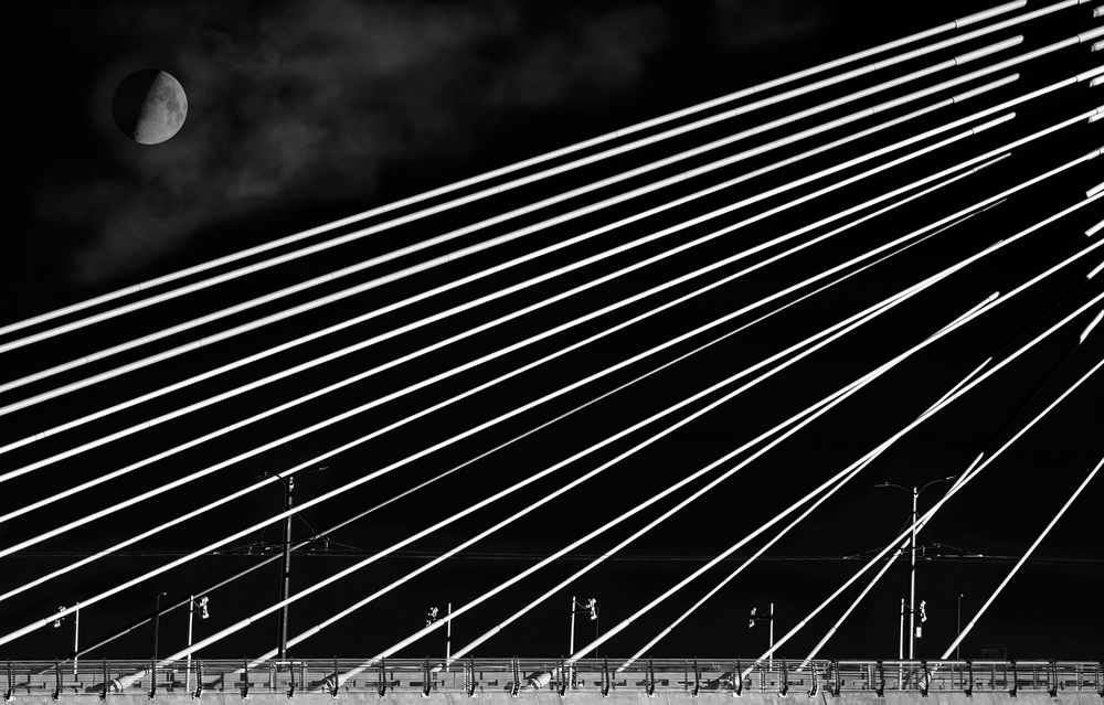 Moon-over-Tilikum-Crossing-for-Show.jpg