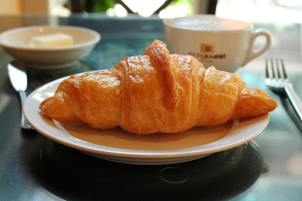 Croissant 1.jpg