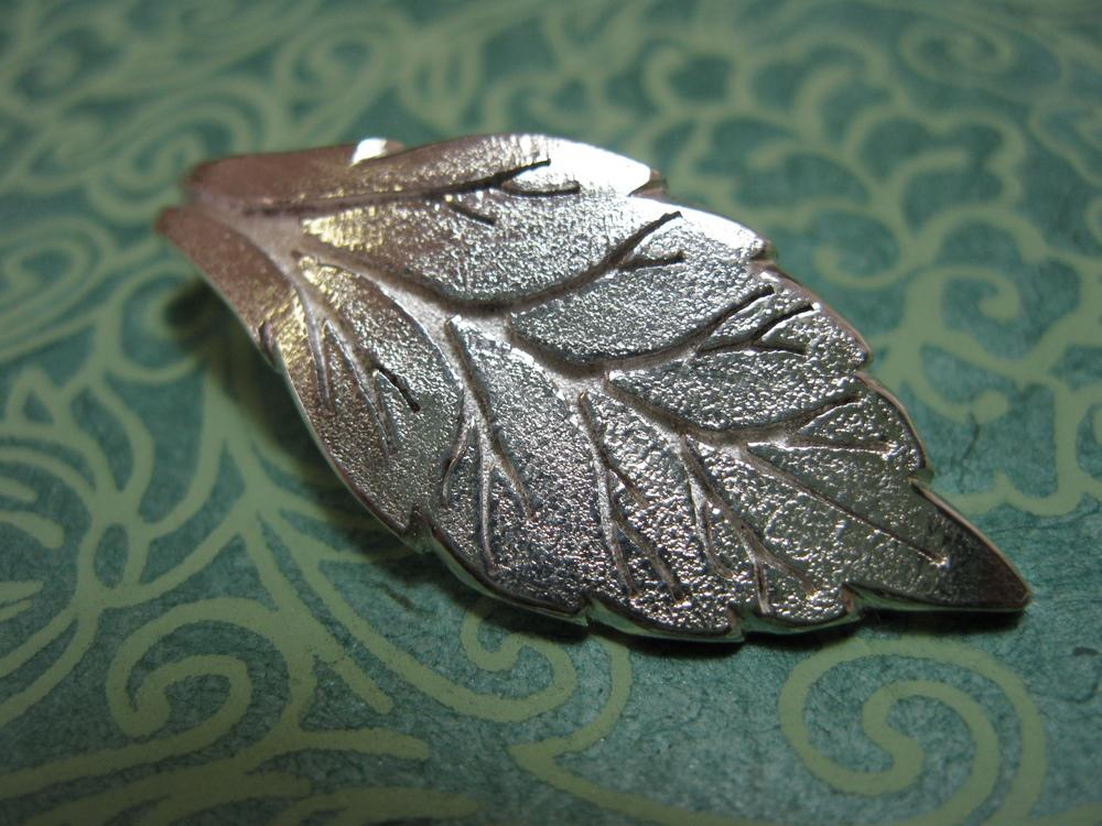 Fused Arterial Leaf Pendant