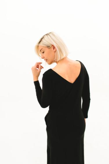 2017 DRESSEMBER DRESS - THE BRIT IN BLACK