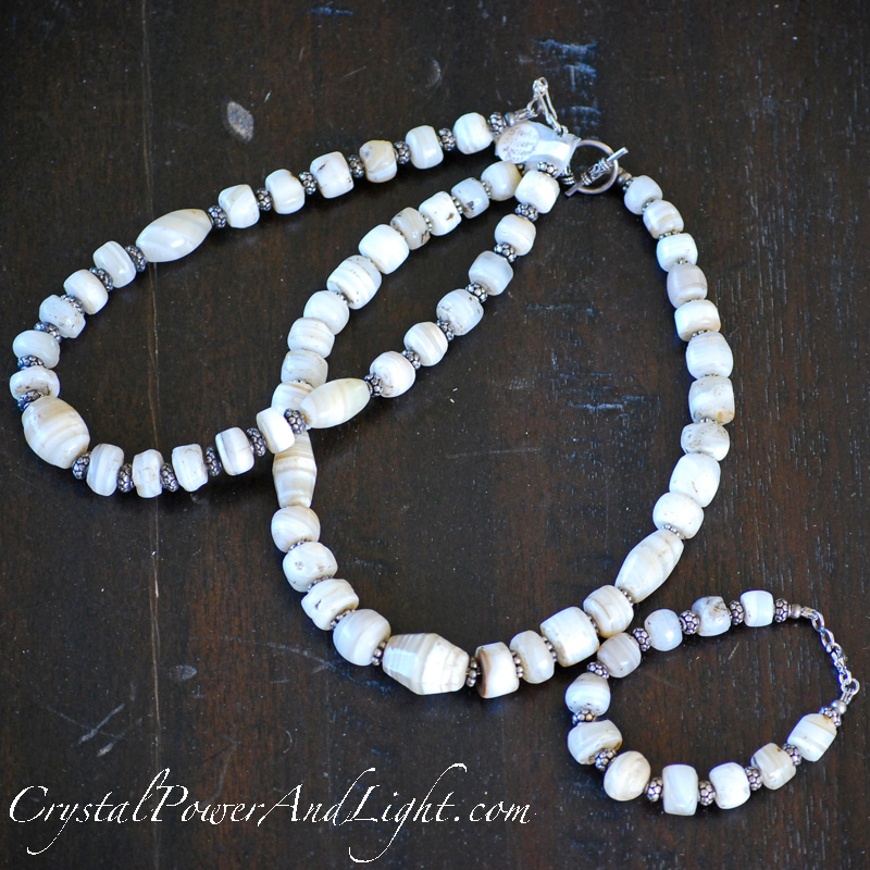 crystal-power-and-light-ancient-trade-beads-necklace-800x800