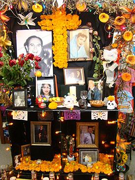 Dia de los Muertos altar Photo credit: vmiremontes