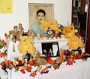 Two-tiered Day of the Dead altar Photo credit: Gruenemann