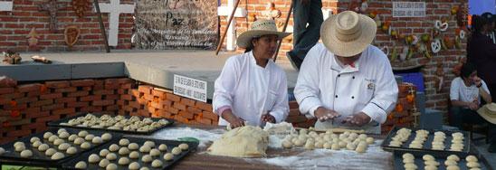 Pan de muerto demonstration in Mexico. Photo credit: Chupacabras
