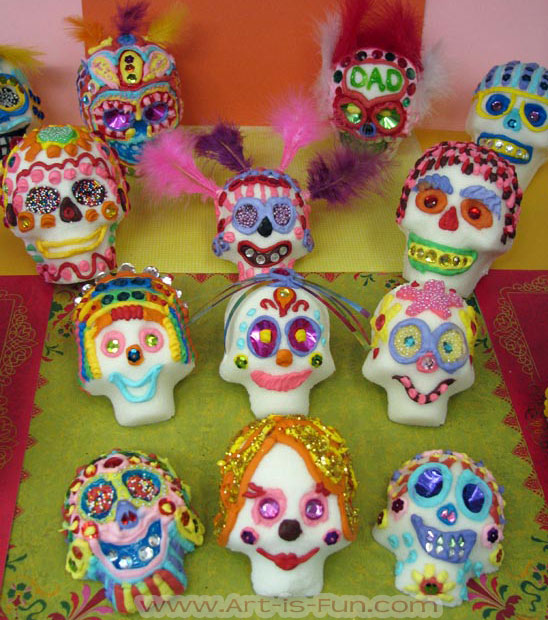 How to Decorate Sugar Skulls