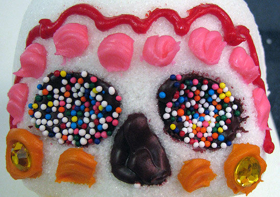 Decorate a Sugar Skull with Dots and Waves