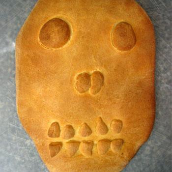 Baked Pan de Muerto Skull