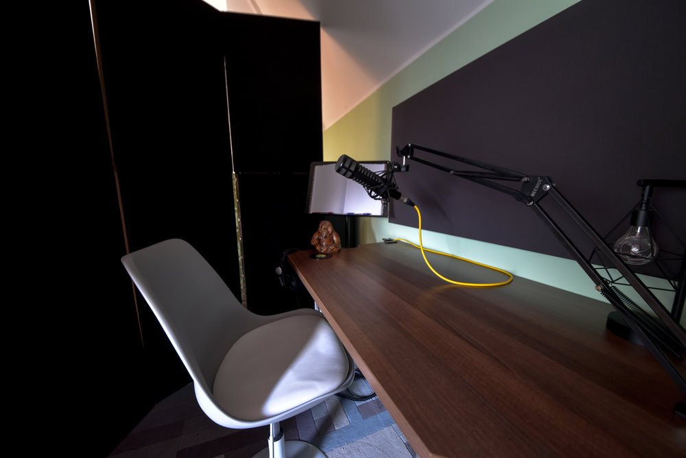 Benni-Dumville-Voice-Over-Vocal-Speech-Podcast-Edit-Audio-Acoustic-Vocal-Recording-Studio-Booth-Teddington-Kingston-Twickenham-London.jpg