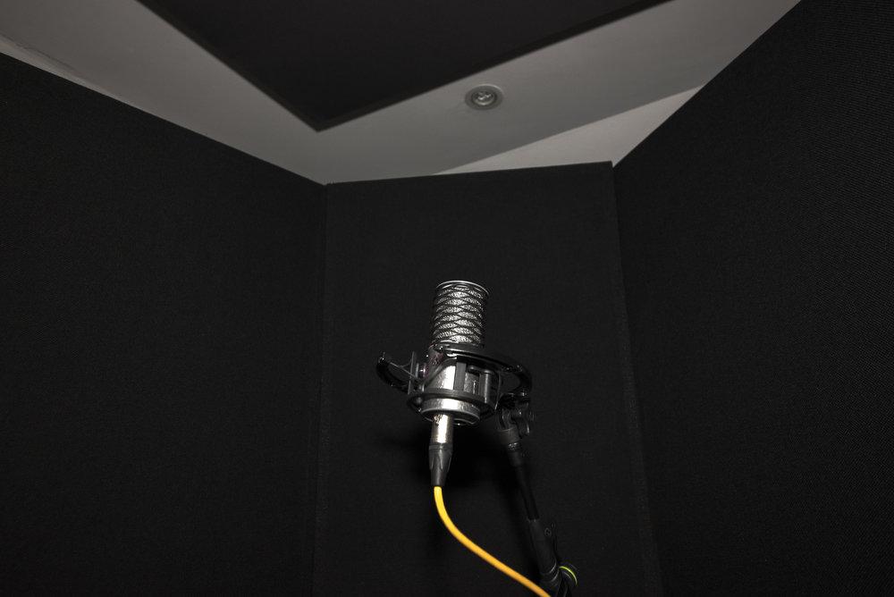 Benni-Dumville-Record-Producer-Mix-Engineer-Music-Recording-Singing-Booth-Vocal-Vocals-Voiceover-Artist-Vocalist-Solo.jpg