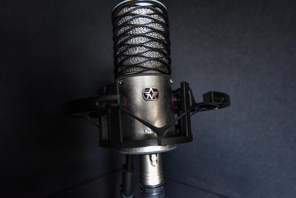 Benni-Dumville-Vocal-Singer-Singing-Recording-Booth-Rapper-Rap-Pop-Music.jpg