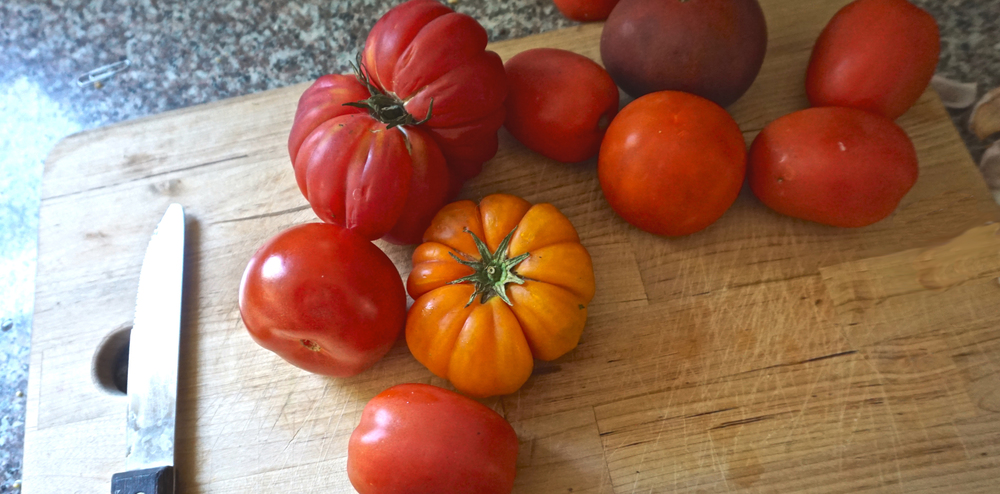 I have several different types of tomatoes. I used 4 Romas, 3 grapevine, and 3 heirlooms.