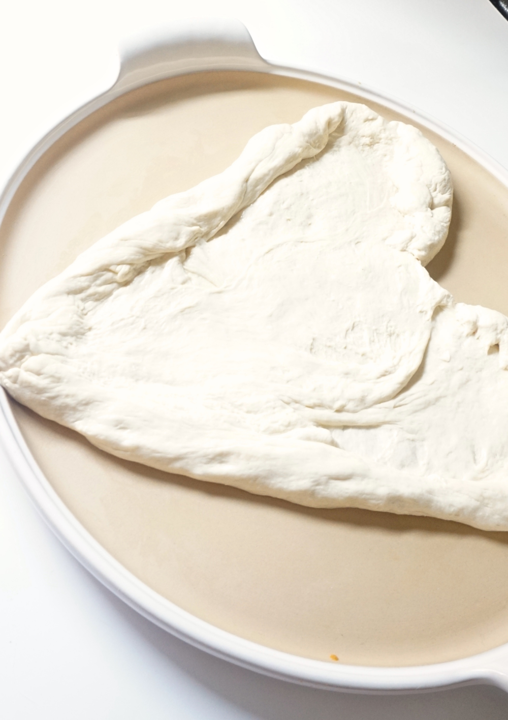 How to Make Zero Waste pizza dough with www.goingzerowaste.com