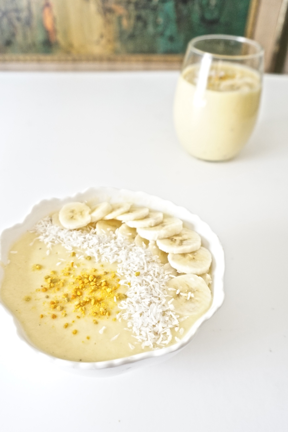 Fight your way through allergy season with the all natural remedy bee pollen! Get your allergies in check with your morning smoothie from www.goingzerowaste.com