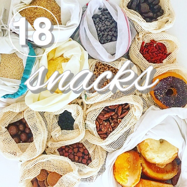 Zero Waste Challenge day 18! A list of easy unpackaged snacks that are easy to transport with www.goingzerowaste.com