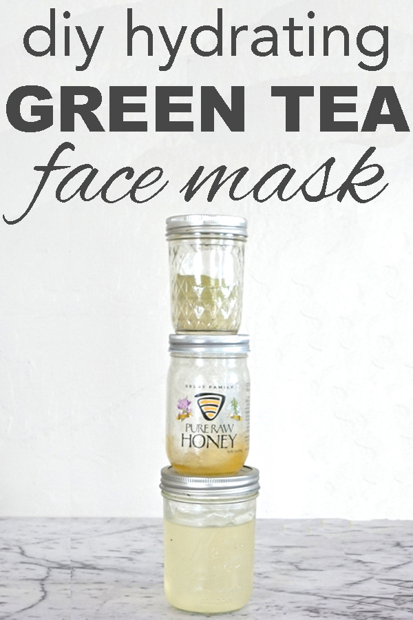 DIY alert! Learn to make a super hydrating face mask with green tea and raw honey from www.goingzerowaste.com