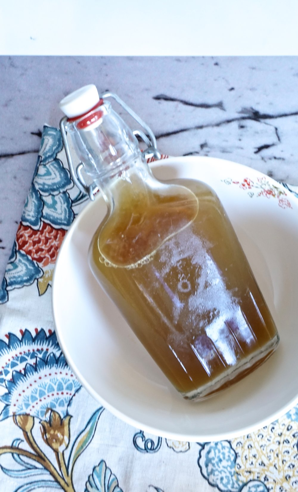 How to make rose water toner from www.goingzerowaste.com
