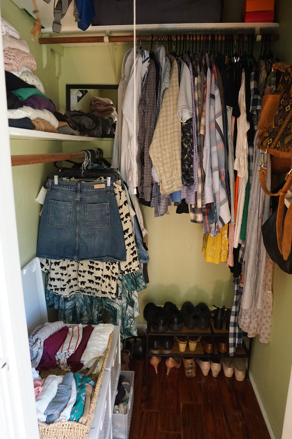 6 tips for mastering secondhand shopping from www.goingzerowaste.com #zerowaste #secondhandshopping #thrifting