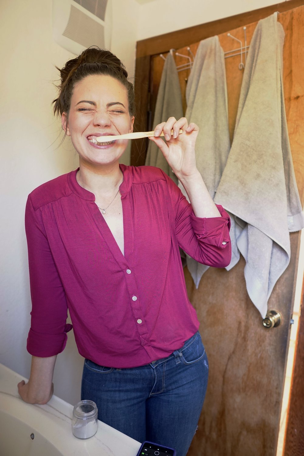 DIY, Zero Waste Toothpowder from www.goingzerowaste.com #zerowaste #toothpaste #DIY #allnatural