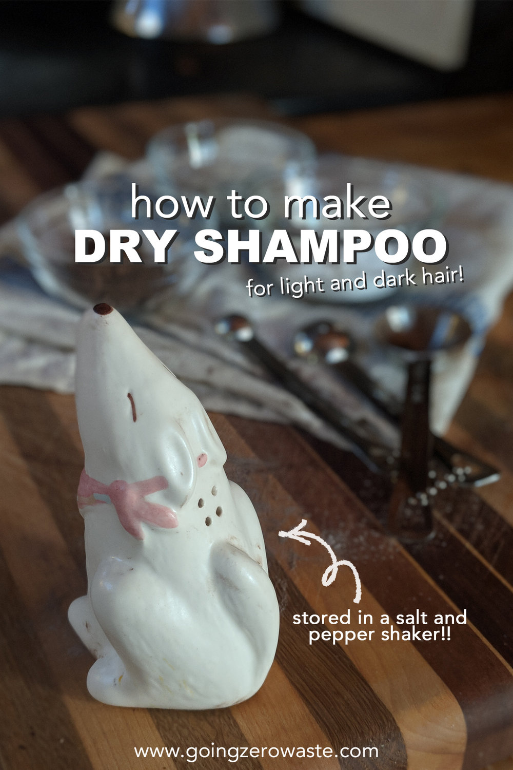 How to make dry shampoo for light and dark hair from www.goingzerowaste.com #dryshampoo #diybeauty #diy