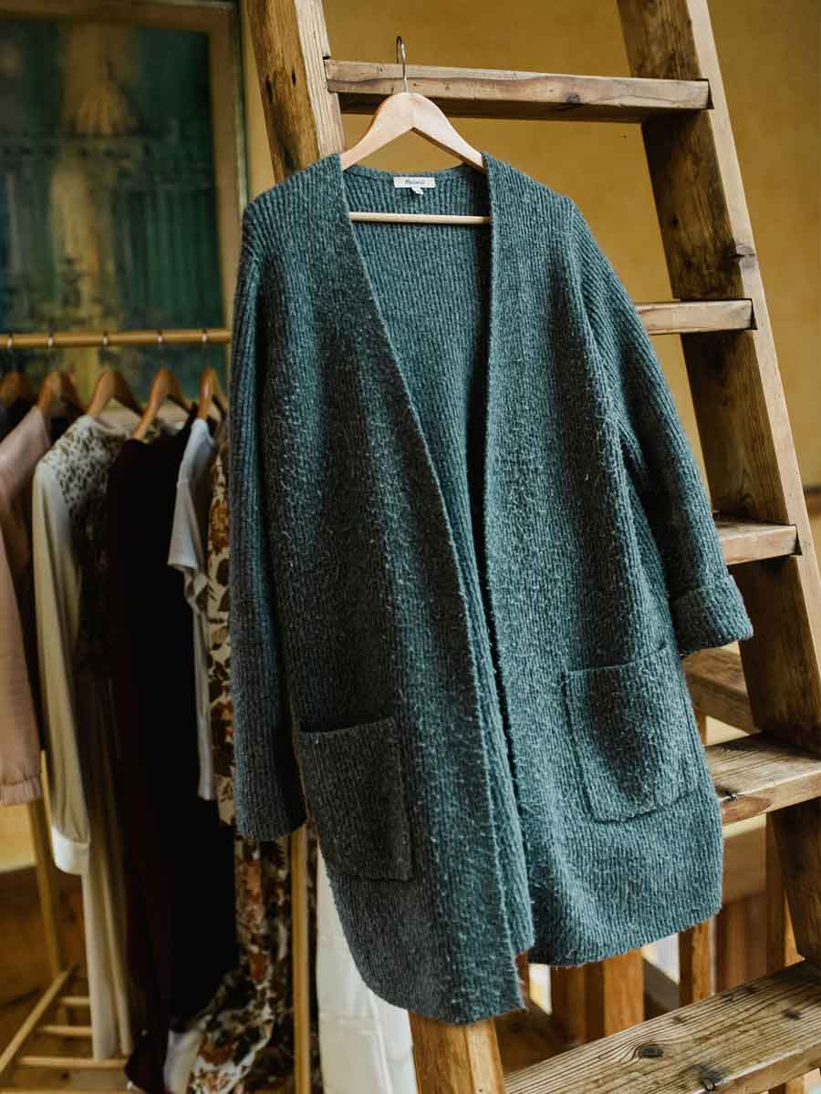 How to take care of your sweaters from www.goingzerowaste.com #sweatercare #ecofriendly #ethicalfashion #slowfashion #sweaters #cleaning #zerowaste