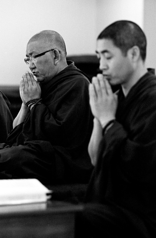 Ven. Arjia Rinpoche (L) and Chunpay Jumai in prayer