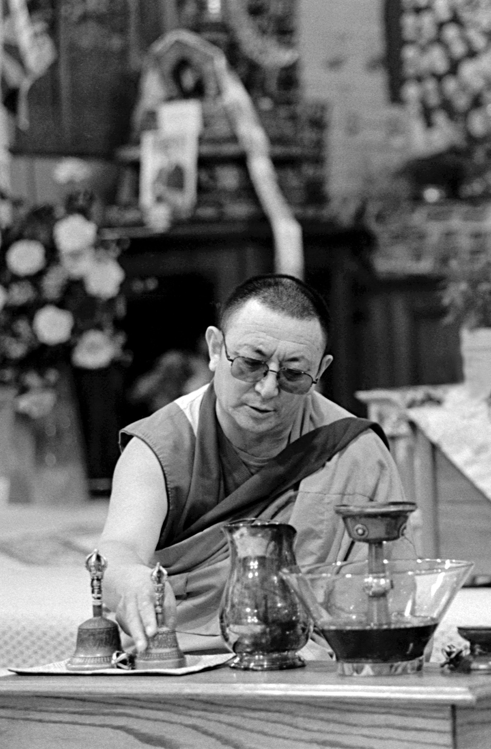 Ven. Geshe Kunga during prayers and chanting