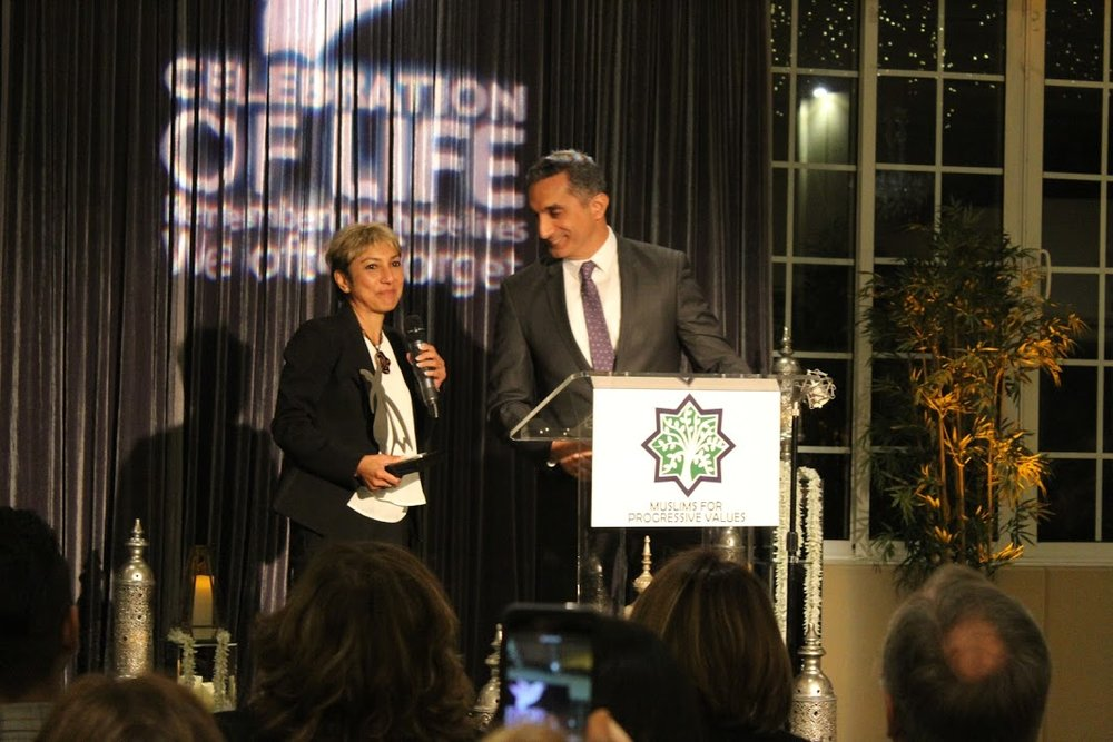 Ani announcing award to Bassem.JPG