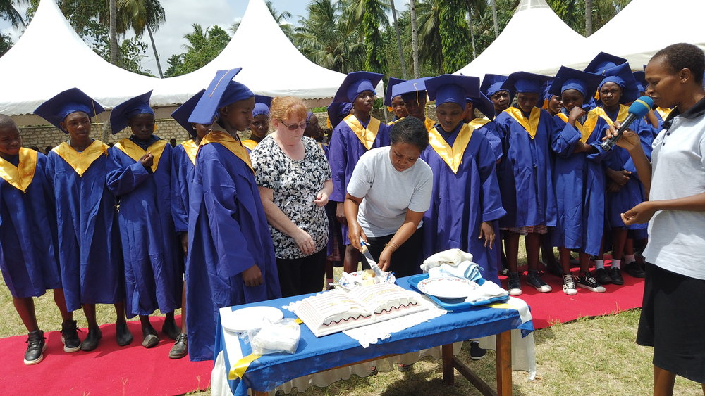 Traditional cake cutting ceremony