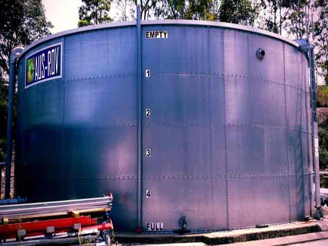 A fire water tank at a Bunning's Warehouse under inspection by AUS-ROV.