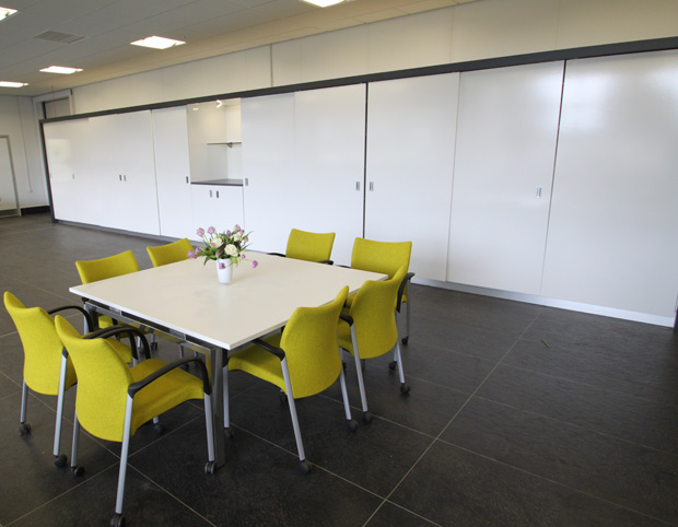 JZ Flowers HQ-Hull- Meeting area 6.JPG