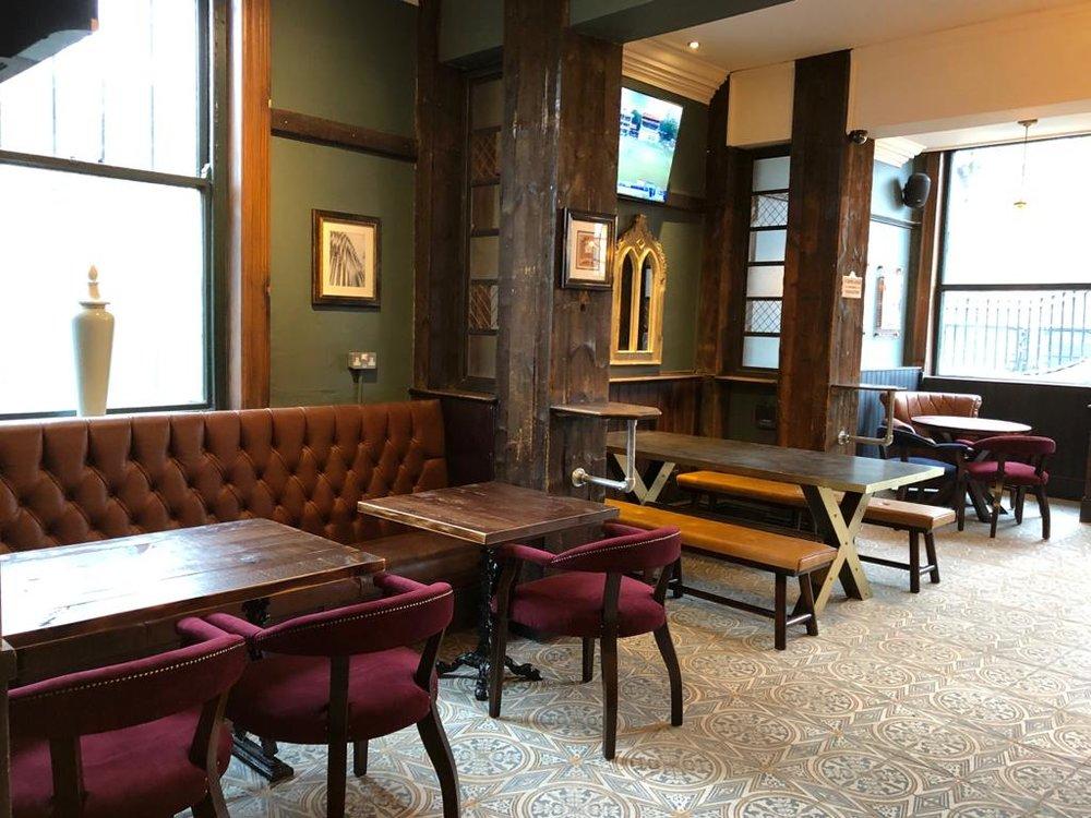 the-palace-leeds-pub-interior-design-tile-floor.JPG