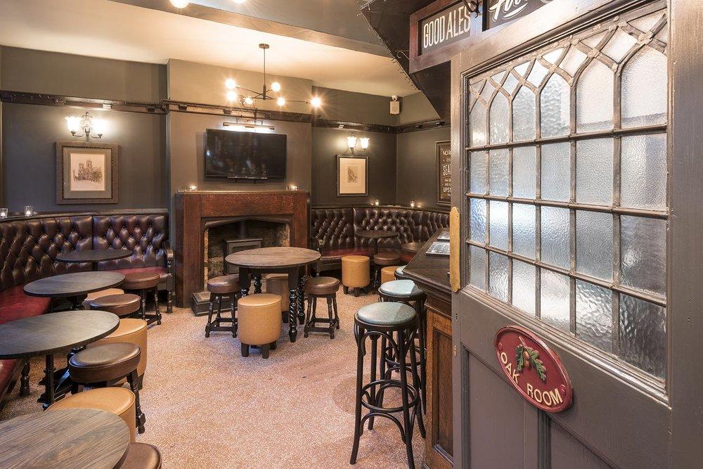 royal-oak-york-bar-area-oak-room.jpg