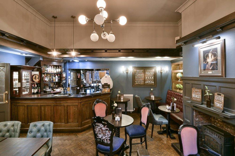 royal-oak-york-bar-area.jpg