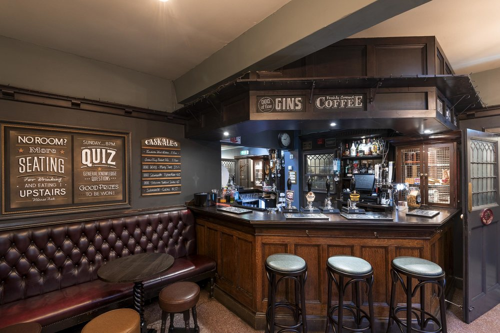 royal-oak-york-bar-servery.jpg