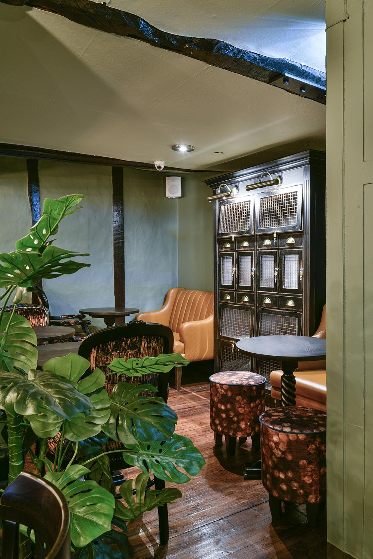 royal-oak-york-green-room-cabinet-detail.jpg