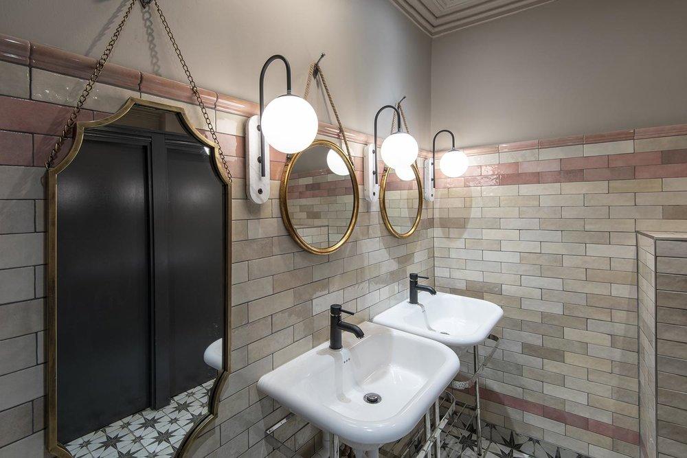 royal-oak-york-ladies-toilets-tiles.jpg