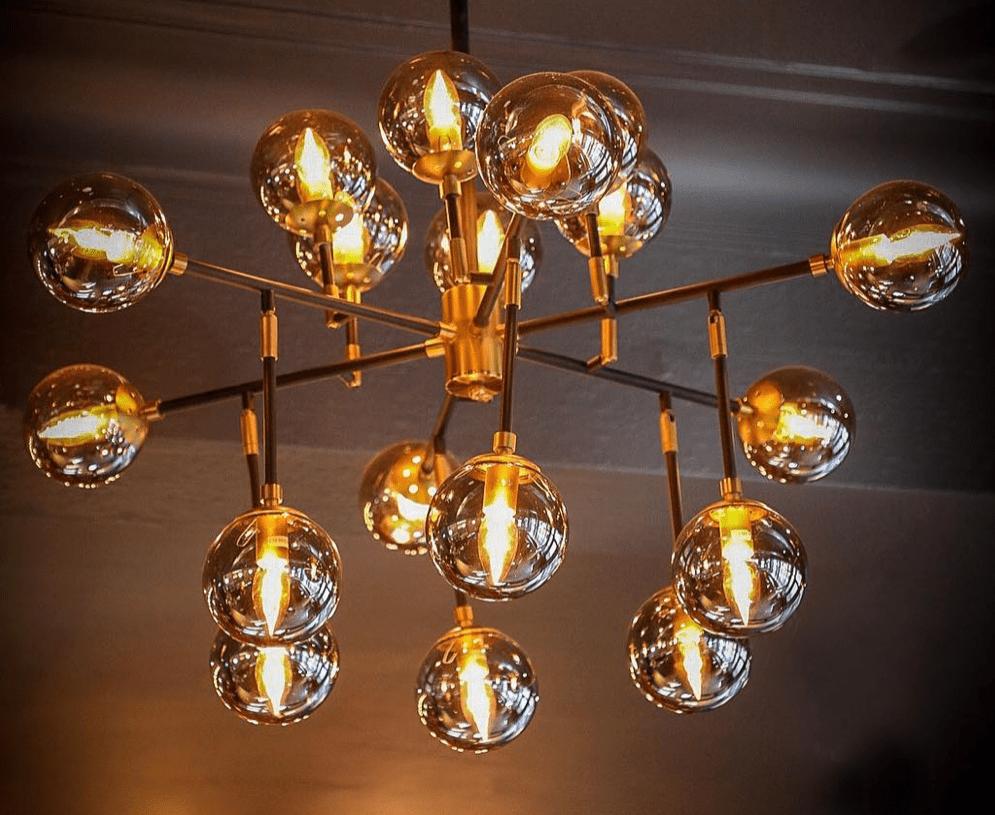 sir-johm-balcombe-lighting-interior-design-nanu-soda.png