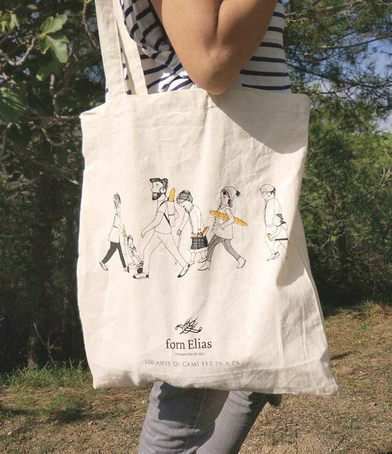 a beautiful tote bag,