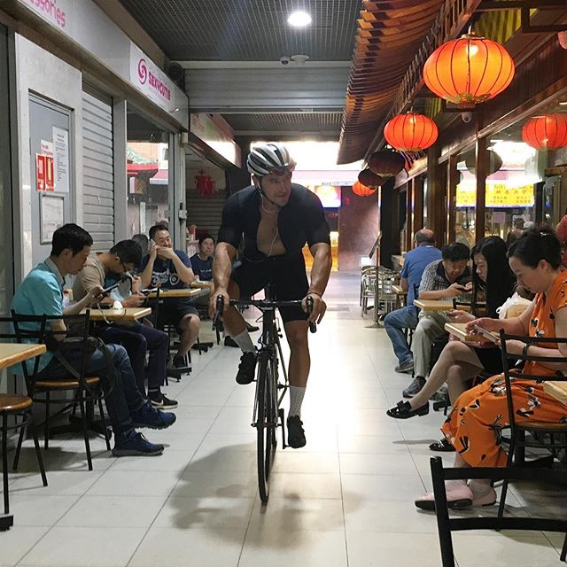 @idyllic_cc rolling in for Miss Chu's Taiwanese congee and dumplings over the weekend. You know it's good when all the Chinatown locals are here waiting for breakfast before it has even opened. #slowpokesdayout #CNY #chinatown #parkups