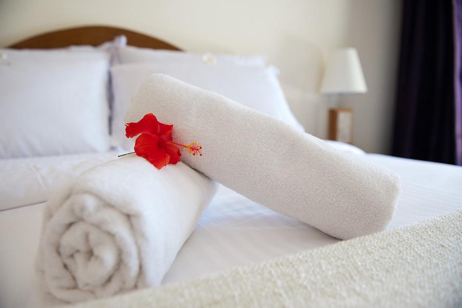 deluxe-room-gili-air-bungalow-comfort-blue-marine