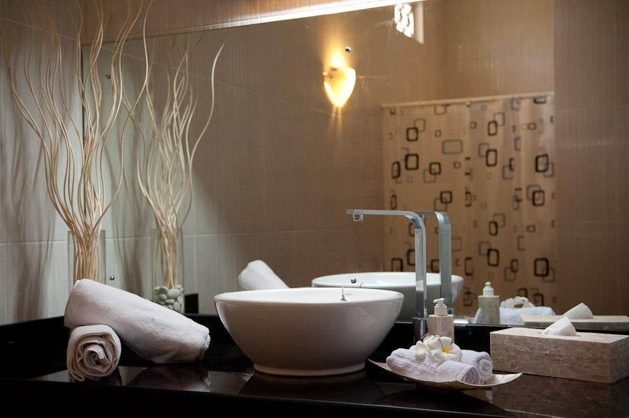 Bathroom-Gili-Air-Blue-Marine
