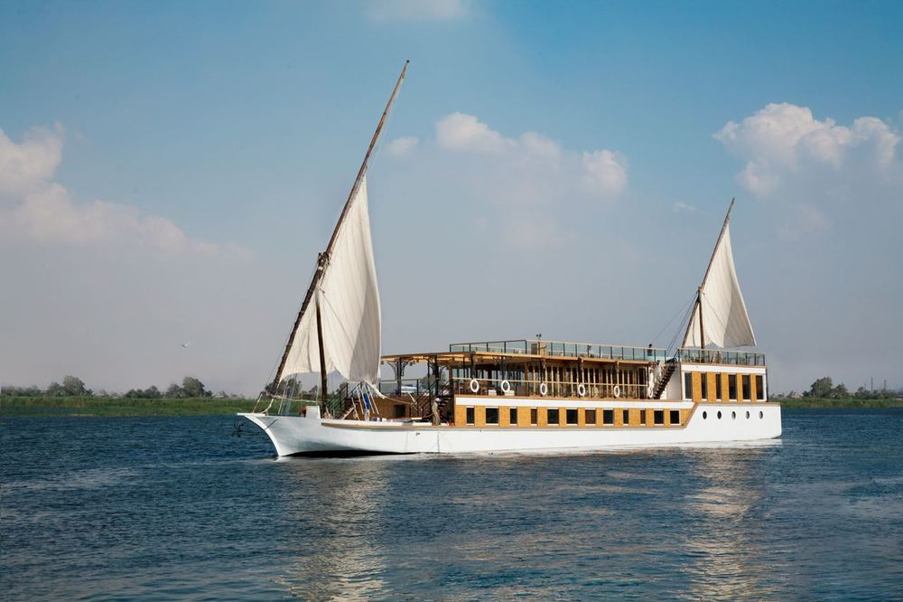 Zoom-Vacatons-luxury-cruise-Egypt-ZeinNileChateau-dahabiya.jpg
