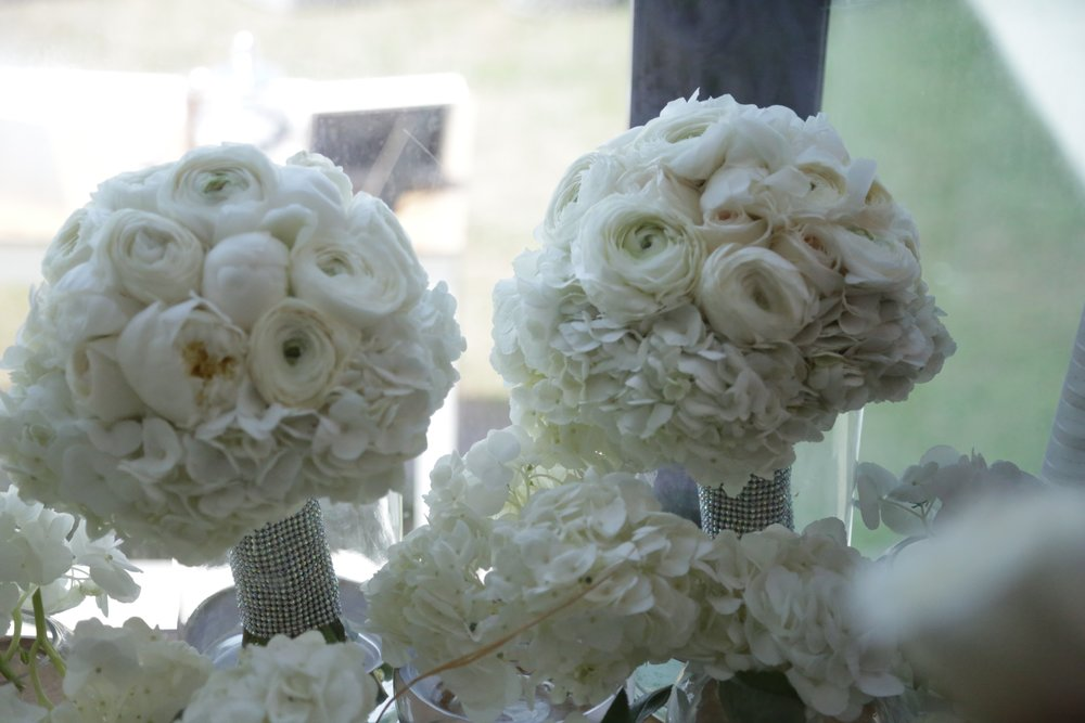 Bridal_Bouquet - A Perfect Match for White Bridal Dress.