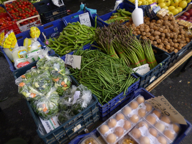 The Antella veg stall on Thursday markets