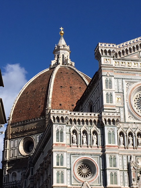Enjoy the Centre of Florence while you peruse the markets
