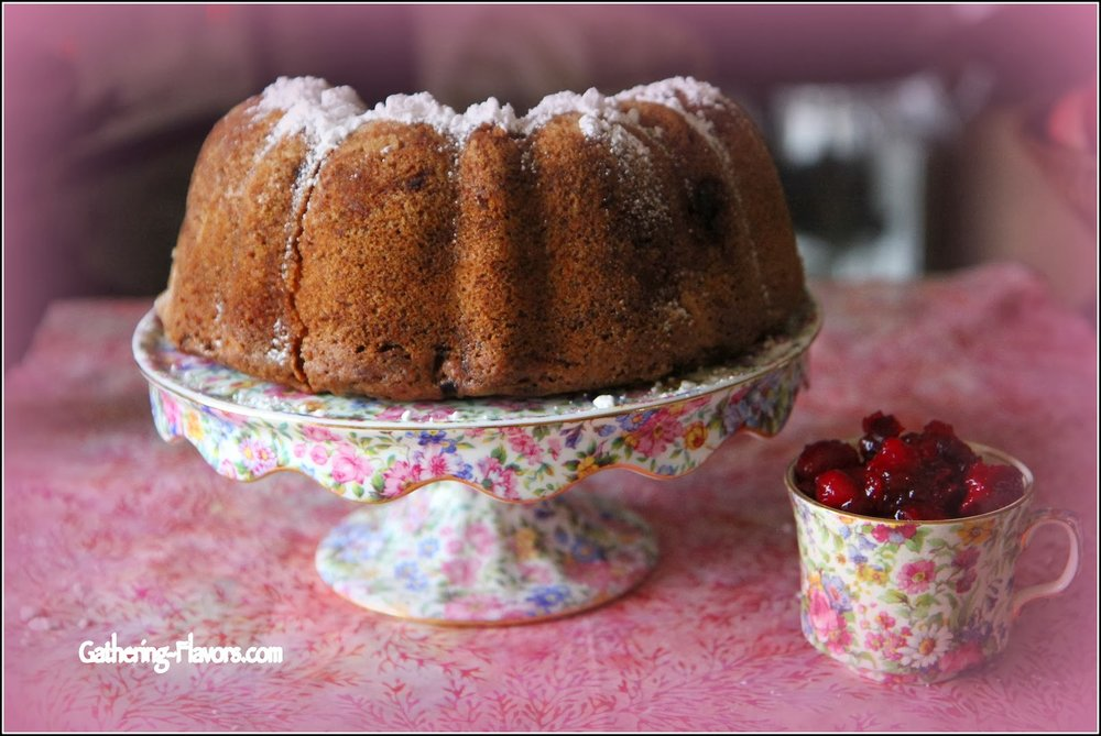 Cranberry apple breakfast cake - A classic revisited. Rich and moist. Enjoy it with some hot coffee.