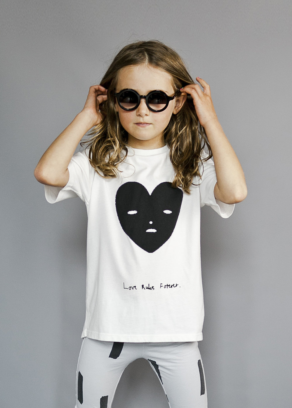 short sleeve fin t shirt vanilla heartface.jpg
